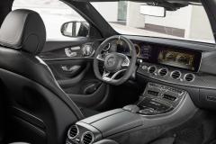 Mercedes-AMG E 63 S 4MATIC+ T-Modell, diamantweiß, Innenausstattung: Schwarzes Nappaleder mit grauen Ziernähten  // Mercedes-AMG E 63 S 4MATIC+ Estate, diamond white,  Interior: Nappa leather blackKraftstoffverbrauch kombiniert: 9,1  l/100 km, CO2-Emissionen kombiniert: 206 g/km Fuel consumption combined:  9.1  l/100 km; combined CO2 emissions: 206  g/km