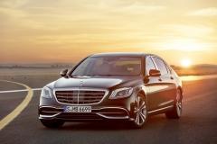 Mercedes-Maybach S 650; 2017; Exterieur: unischwarz;Kraftstoffverbrauch kombiniert: 12,7 l/100 km; CO2-Emissionen kombiniert: 289 g/km*Mercedes-Maybach S 650; 2017; exterior: black;Fuel consumption combined: 12.7 l/100 km; CO2 emissions combined: 289 g/km*