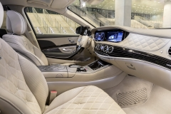 Mercedes-Maybach S 650; 2017; Interieur: seidenbeige/titaniumgrau;Kraftstoffverbrauch kombiniert: 12,7 l/100 km; CO2-Emissionen kombiniert: 289 g/km* Mercedes-Maybach S 650; 2017; interior: silk beige/titanium grey;Fuel consumption combined: 12.7 l/100 km; CO2 emissions combined: 289 g/km*
