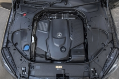 Mercedes-Benz S 400 d 4MATIC, designo mokkaschwarz metallic, Leder Exklusiv Nappa mahagonibraun/seidenbeige;Kraftstoffverbrauch kombiniert: 5,2 l/100 km; CO2-Emissionen kombiniert: 135 g/km*Mercedes-Benz S 400 d 4MATIC, designo mocha black metallic, exclusive nappa leather mahogany brown/silk beige;fuel consumption combined: 5.2 l/100 km; combined CO2 emissions: 135 g/km*