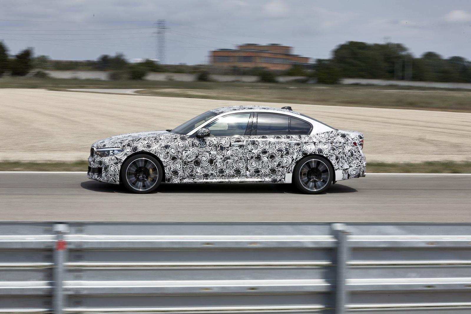 2018-BMW-M5-33