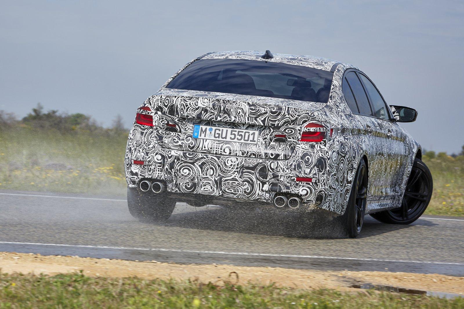 2018-BMW-M5-43
