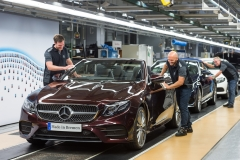 """Produktionsstart im Mercedes-Benz Werk Bremen: Das neue E-Klasse Cabriolet """"Made in Bremen"""". Start of production at the Mercedes-Benz plant in Bremen: The new E-Class Cabriolet """"Made in Bremen""""."""