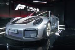Porsche-911-GT2-RS-6