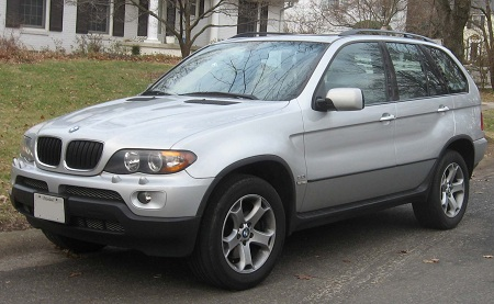 avtomobil-bmw-x5
