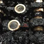 Почему чернеет масло в двигателе?