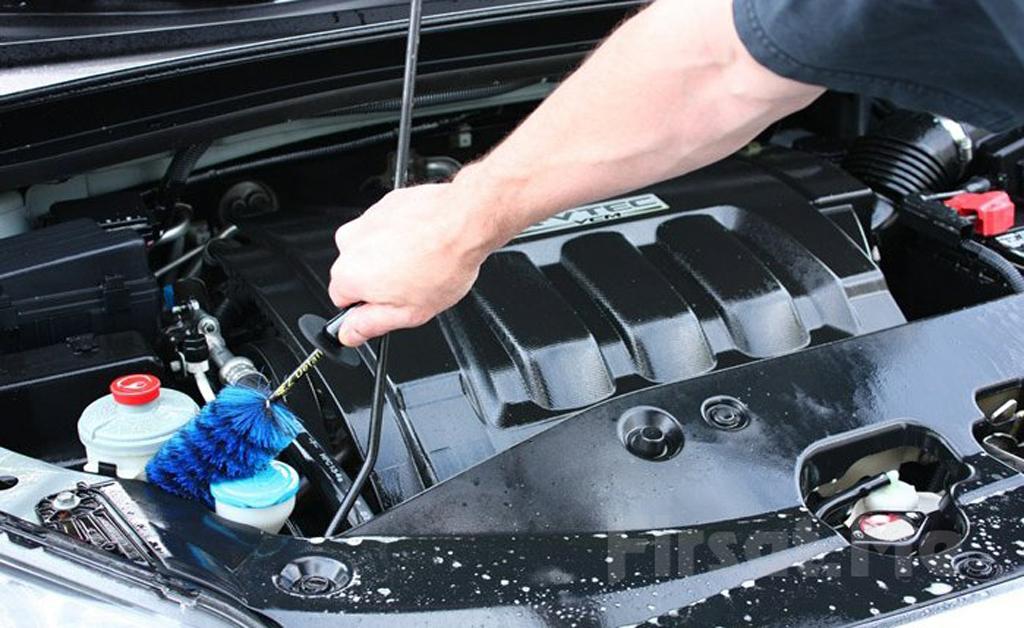 Как помыть двигатель автомобиля самому?