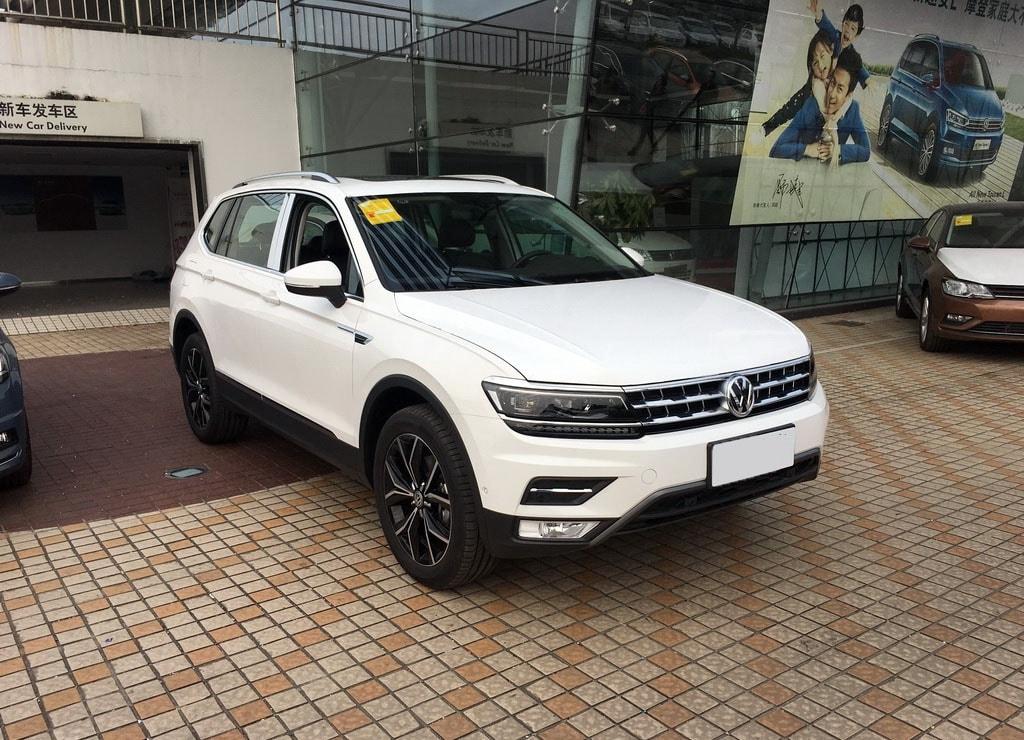 Volkswagen Tiguan XL 2017 : обзор,описание,цена,комплектация,фото,видео.