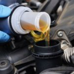 Как заменить масло в автомобиле?