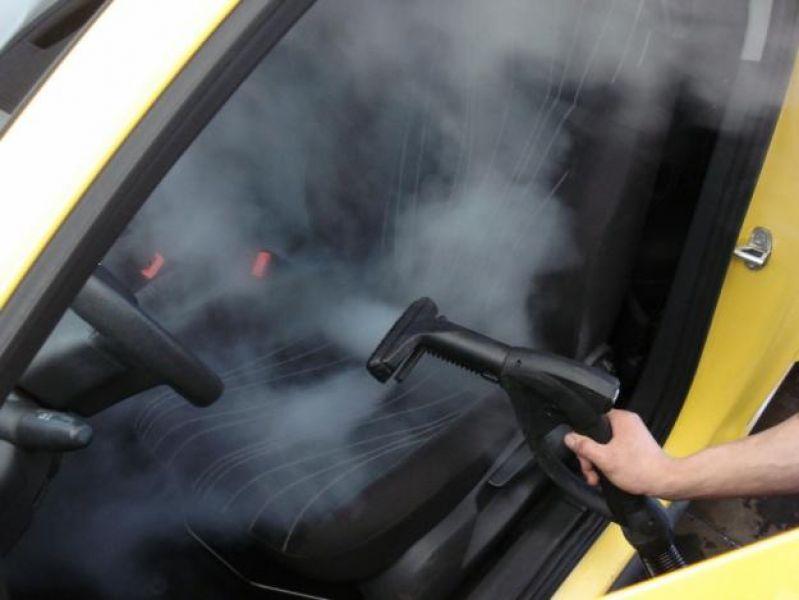 Чистка автомобиля и запчастей от загрязнений.