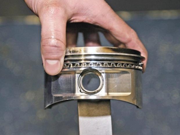 Как провести замену поршневых колец своими руками?
