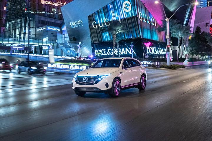 Mercedes-Benz прогнозирует, что автомобили будут больше развиваться  в следующем десятилетии, чем когда-либо прежде