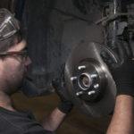 Самостоятельная замена тормозных колодок и тормозных дисков