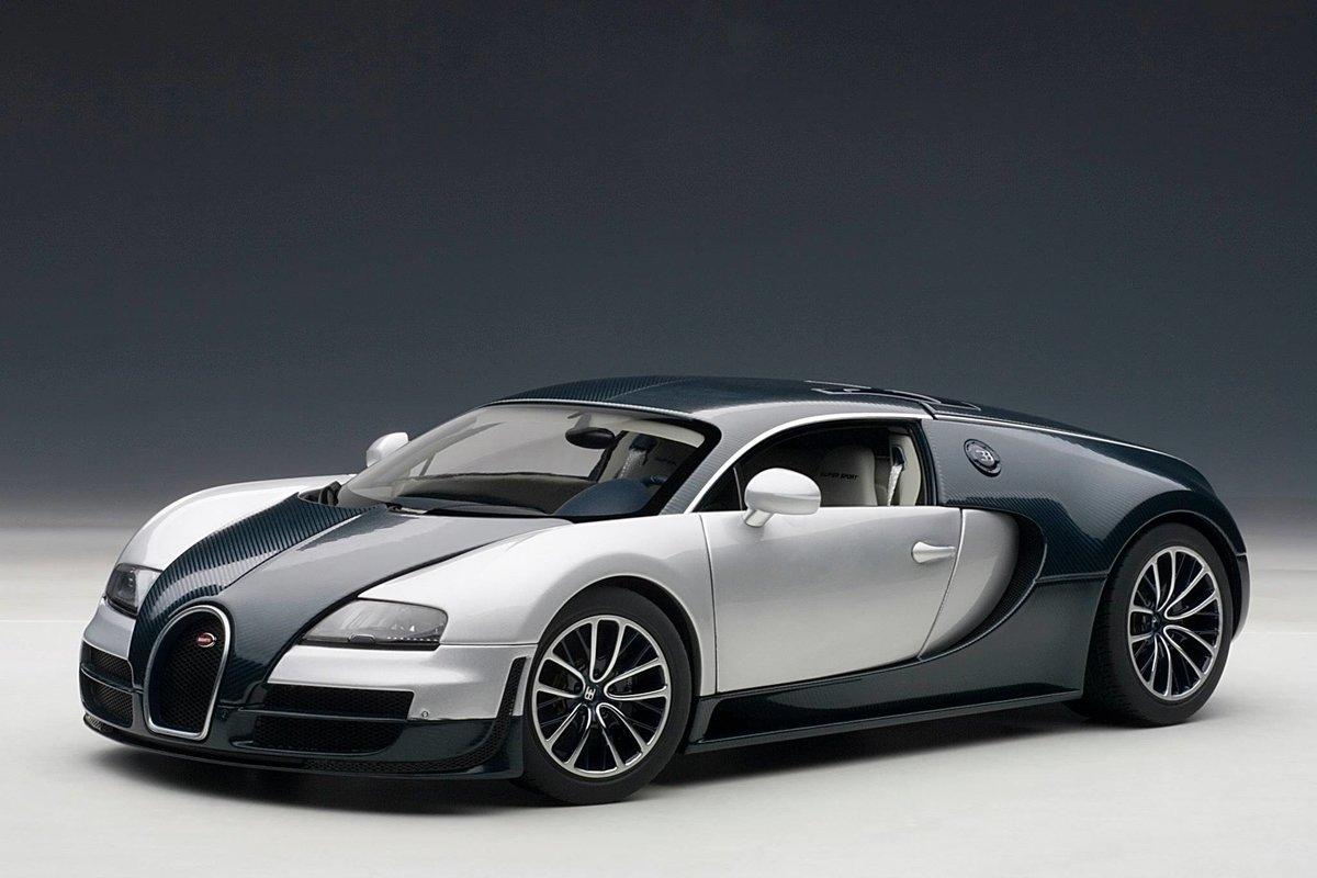 Понаблюдайте за тем, как Bugatti Chiron разгоняется до 420 км в час на бывшей взлетно-посадочной полосе