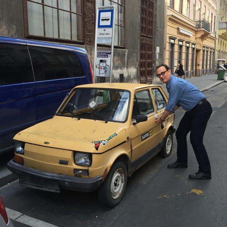 Странные автомобили, которыми владеет Том Хэнкс