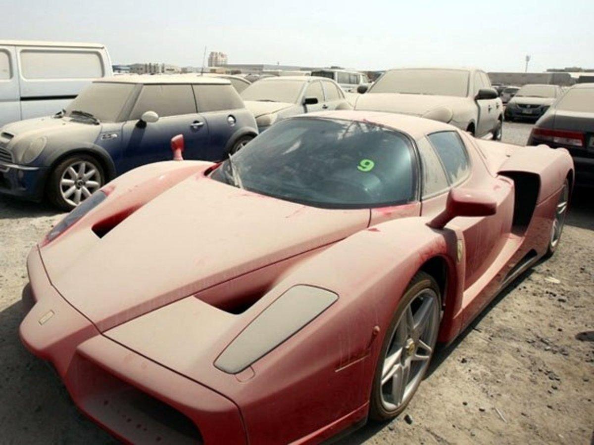 5 дорогих автомобилей, которые были брошены и покрылись пылью