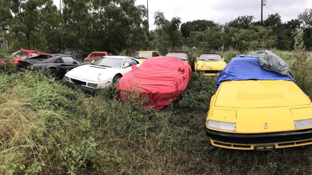 Как можно позволить сгнить11 классическим Ferrari на поле?