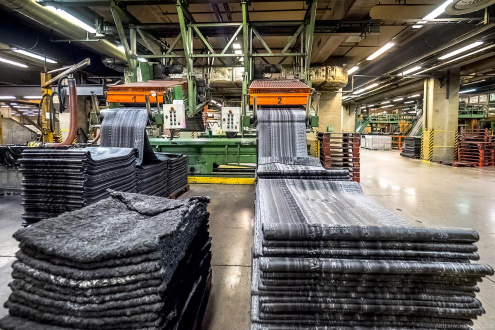 Производство автомобильных шин на заводе финской компании Nokian Tyres на предприятии в городе Всеволожск под Питером