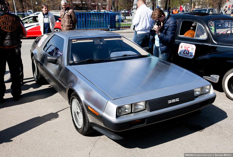 Выставка ретро автомобилей в Москве
