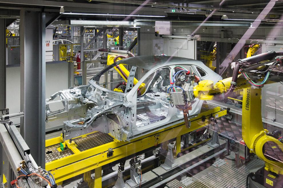Завод Порше в Лейпциге: как делаются идеальные автомобили