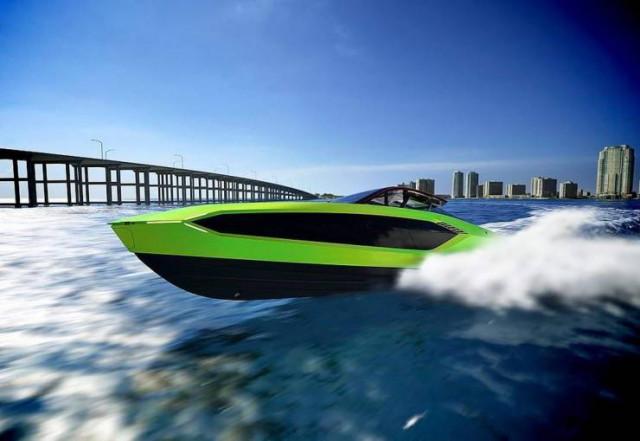 Ламборгини на воде на скорости— 111 км/час