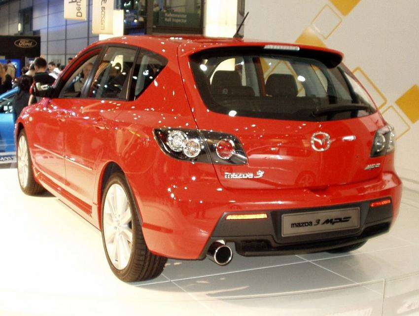 Поставки Mazda 3 в Россию прекратились из-за повышения утилизационного сбора