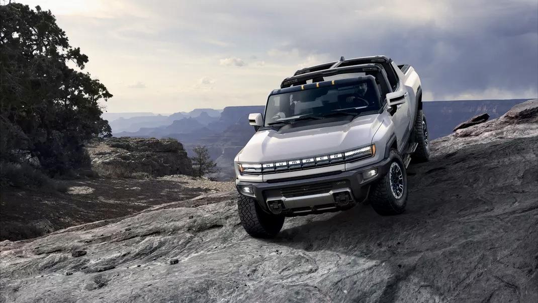 Американский концерн GMC анонсировал электрический пикап Hummer EV,суммарной мощностью 1000 лошадиных сил
