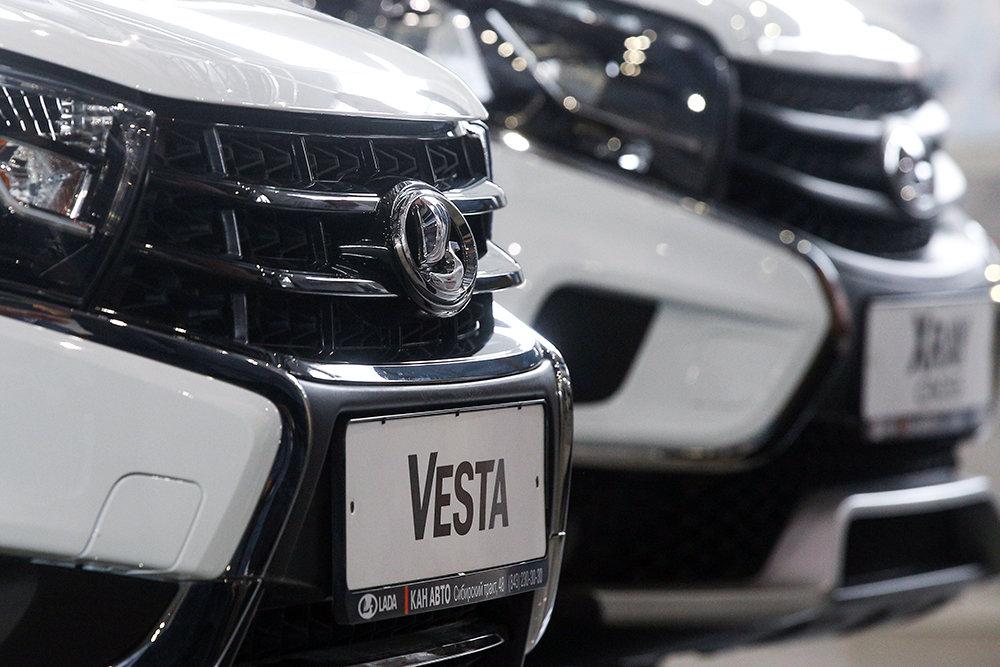 Россияне решили не ждать новогодних скидок на автомобили