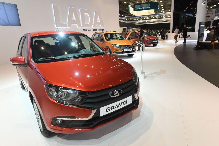 По итогам месяца Lada Granta стала самым продаваемым авто в России