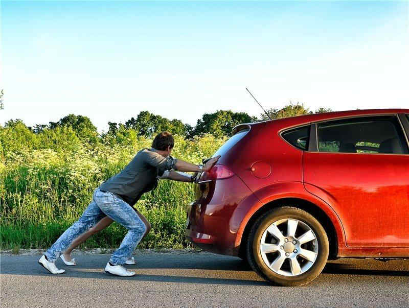 Как завести машину с толкача?