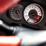 По каким признакам при покупке авто можно понять что пробег скрученный
