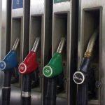Почему летом машина может начать «есть» больше бензина